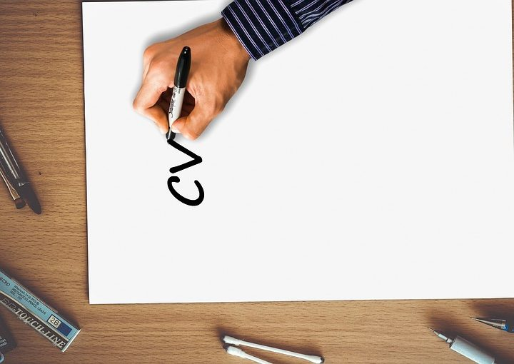 Piszemy CV – jak się wyróżnić?