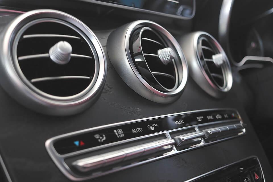 Jak dbać o klimatyzację samochodową?